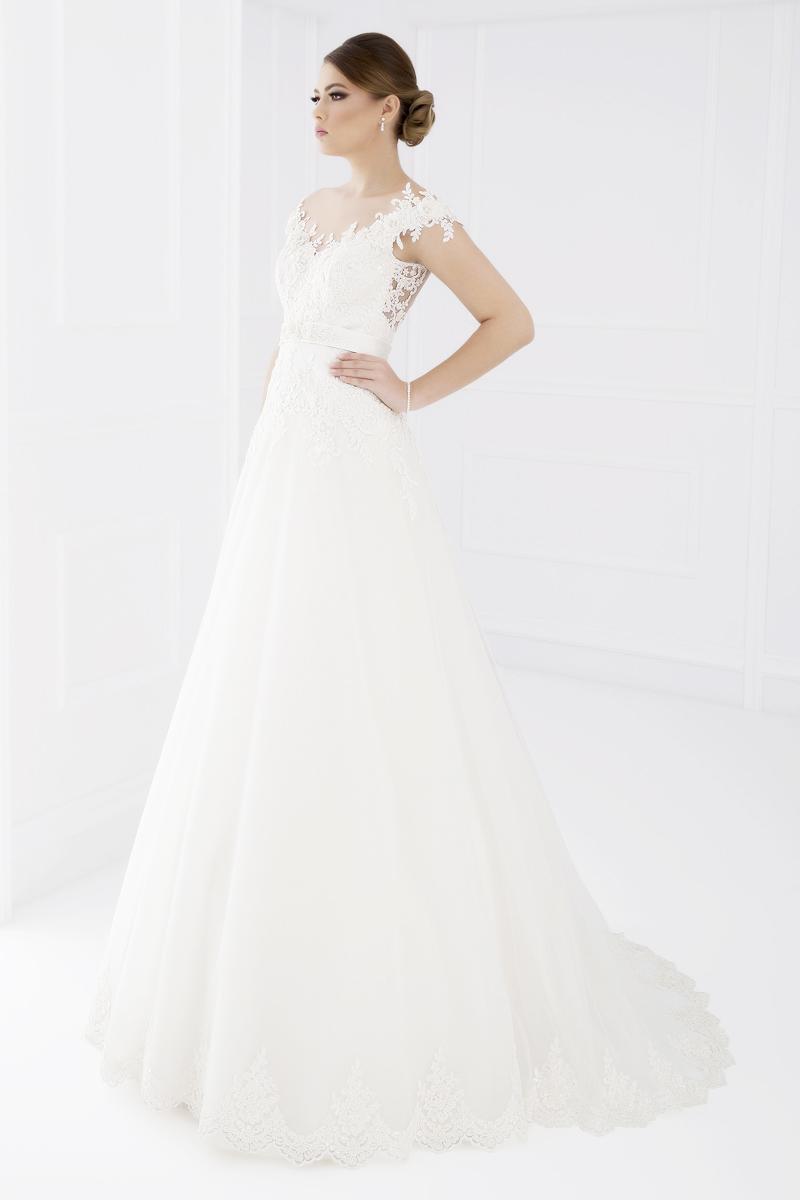 white lady_piatra Neamt (5)
