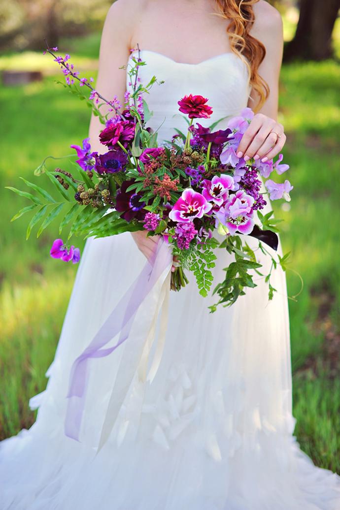 Ruffled - photo by http://arinabphotography.com/ - http://ruffledblog.com/purple-inspired-wedding-ideas/