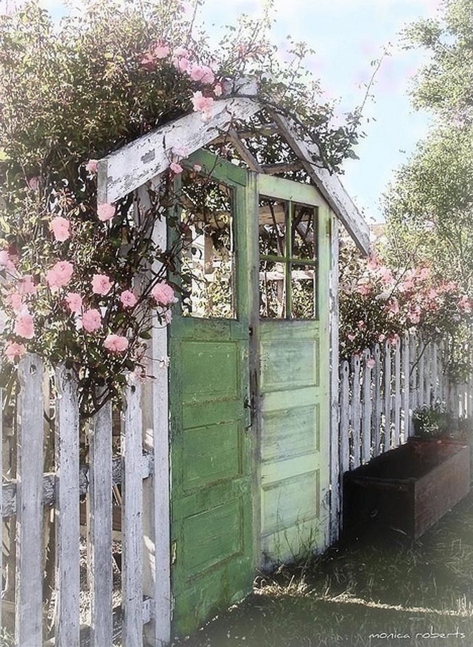 recycled doors- nunta in gradina (10)