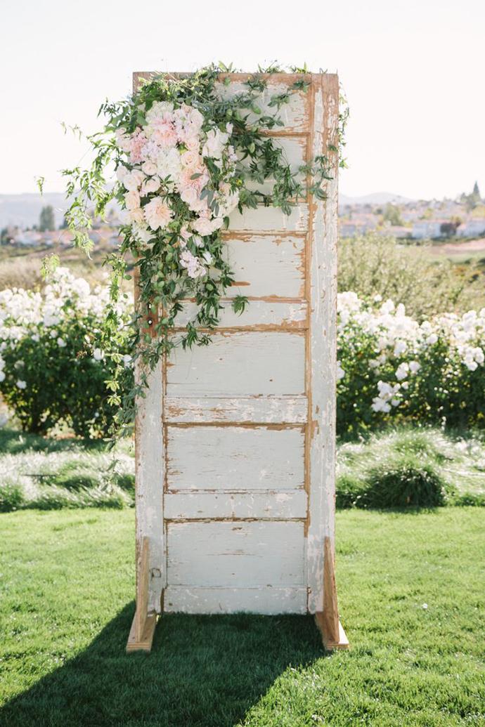 recycled doors- nunta in gradina (11)