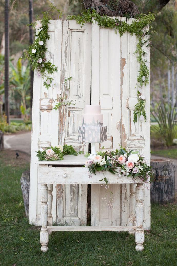 recycled doors- nunta in gradina (12)
