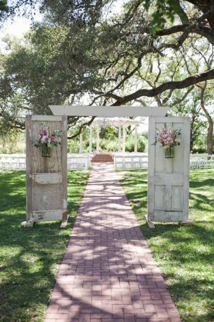recycled doors- nunta in gradina (13)