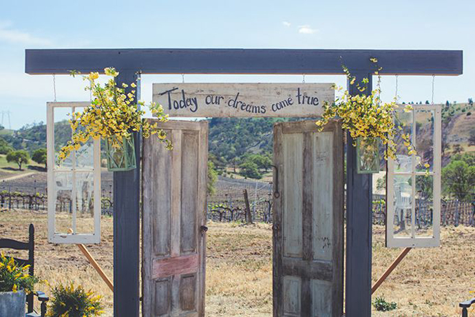 recycled doors- nunta in gradina (18)