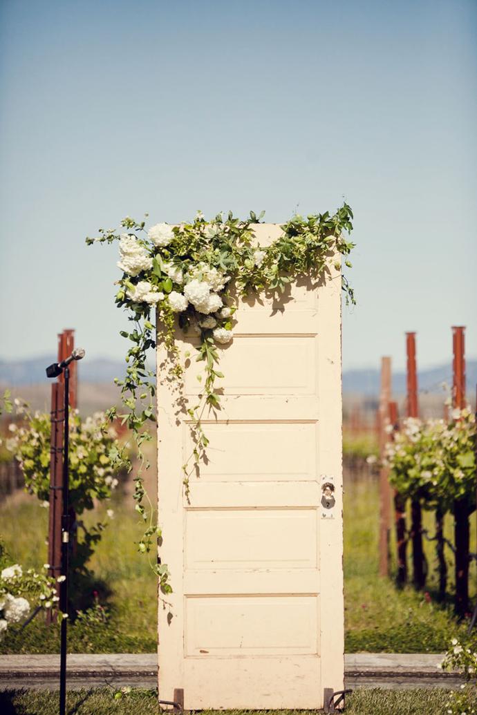 recycled doors- nunta in gradina (5)
