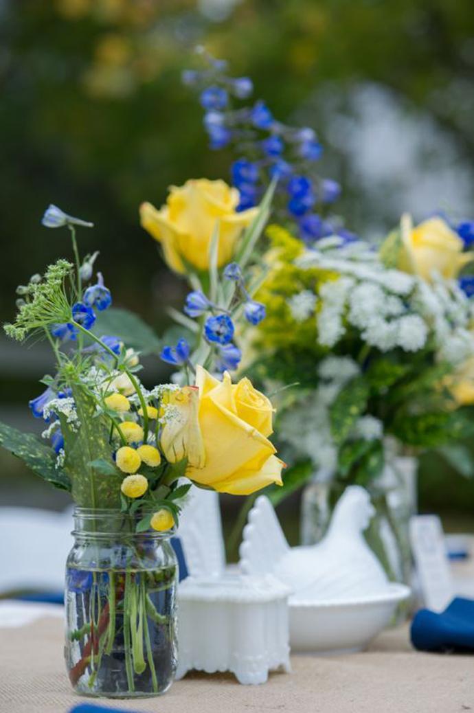 galben albastru nunta in gradina (12)