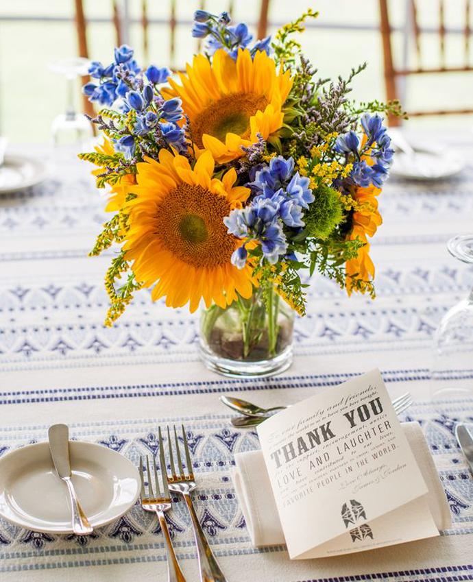 galben albastru nunta in gradina (17)
