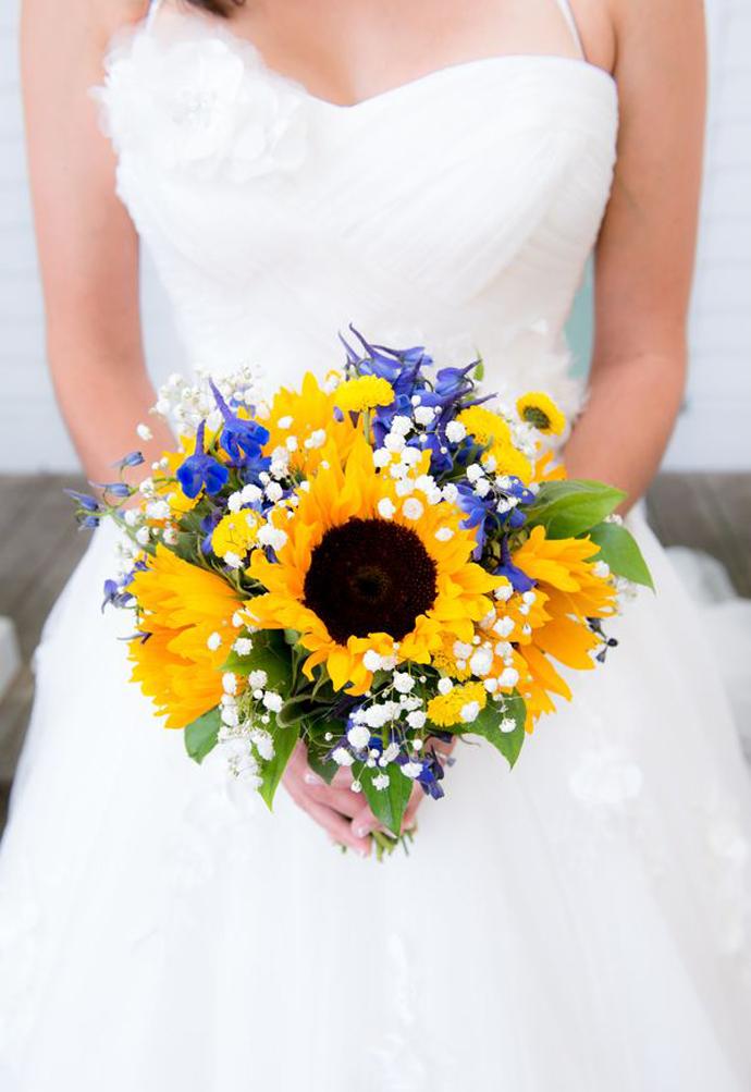 galben albastru nunta in gradina (20)