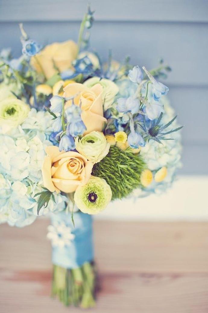 galben albastru nunta in gradina (9)