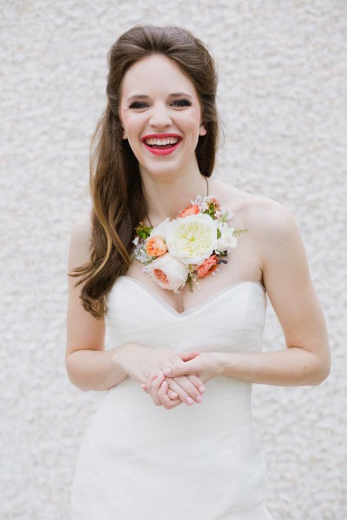 coliere din flori -nunta in gradina (11)