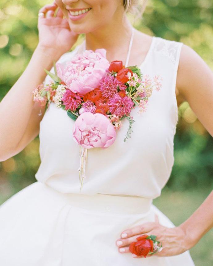 coliere din flori -nunta in gradina (12)