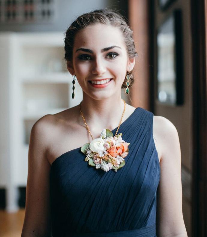 coliere din flori -nunta in gradina (14)