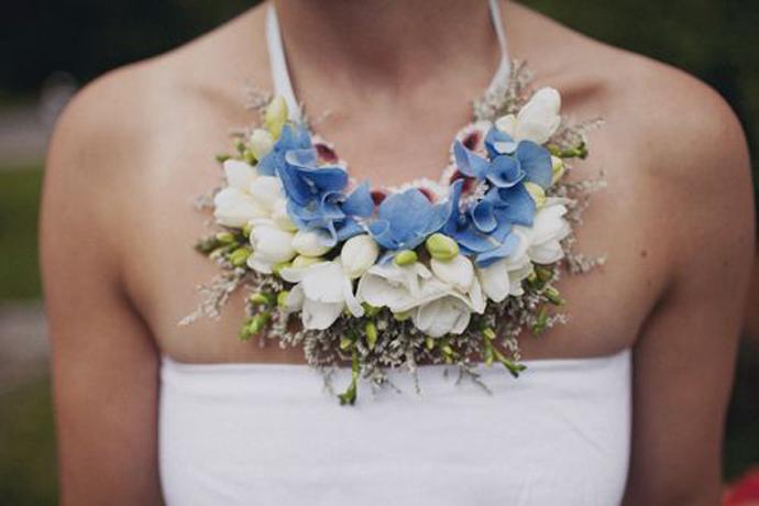 coliere din flori -nunta in gradina (19)