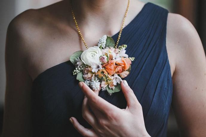 coliere din flori -nunta in gradina (22)