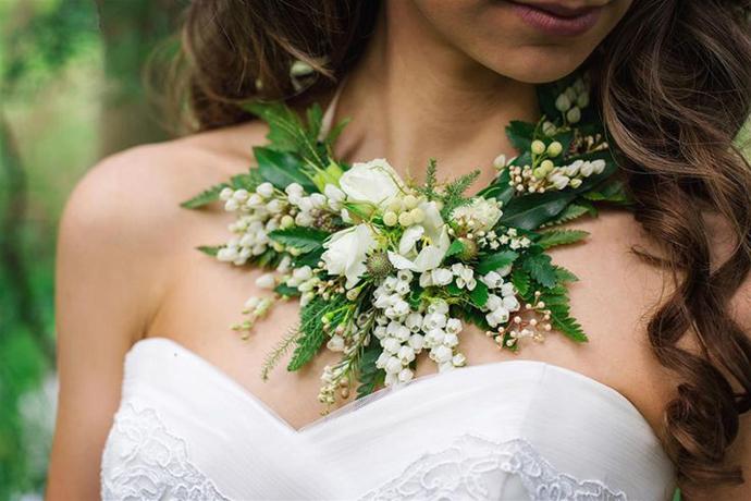 coliere din flori -nunta in gradina (5)