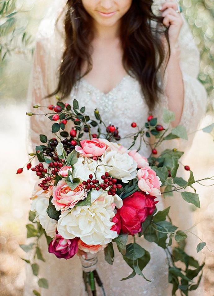 nunta in gradina-buchete rosii (8)