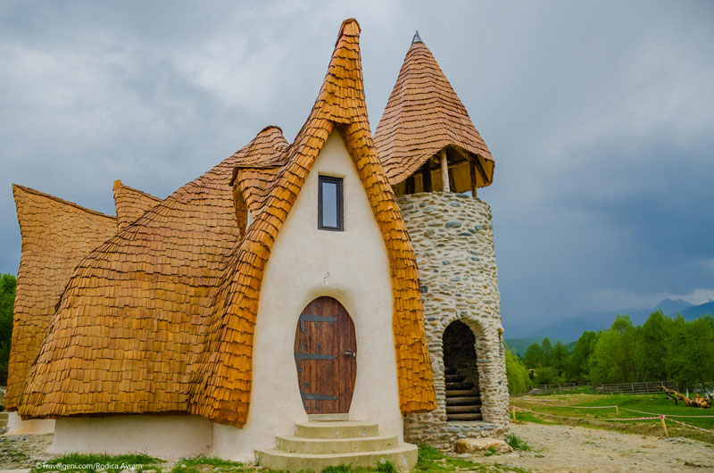 romanian-fairy-tale-lodge-designrulz (14)