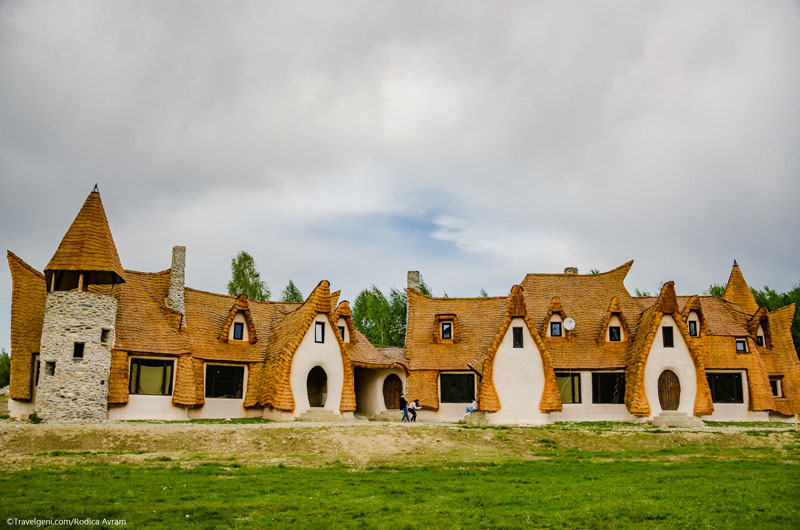 romanian-fairy-tale-lodge-designrulz (5)