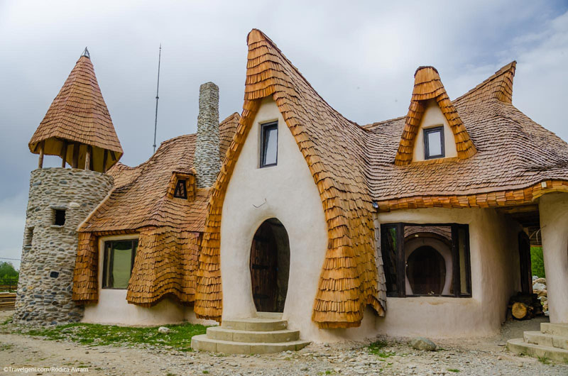 romanian-fairy-tale-lodge-designrulz (6)