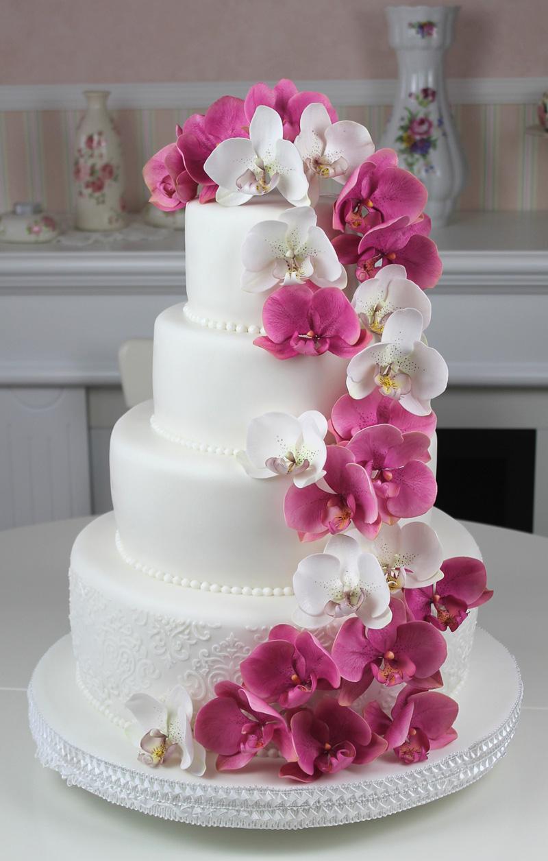 10 Torturi înflorate Pentru O Nuntă De Vis Nuntă în Grădină