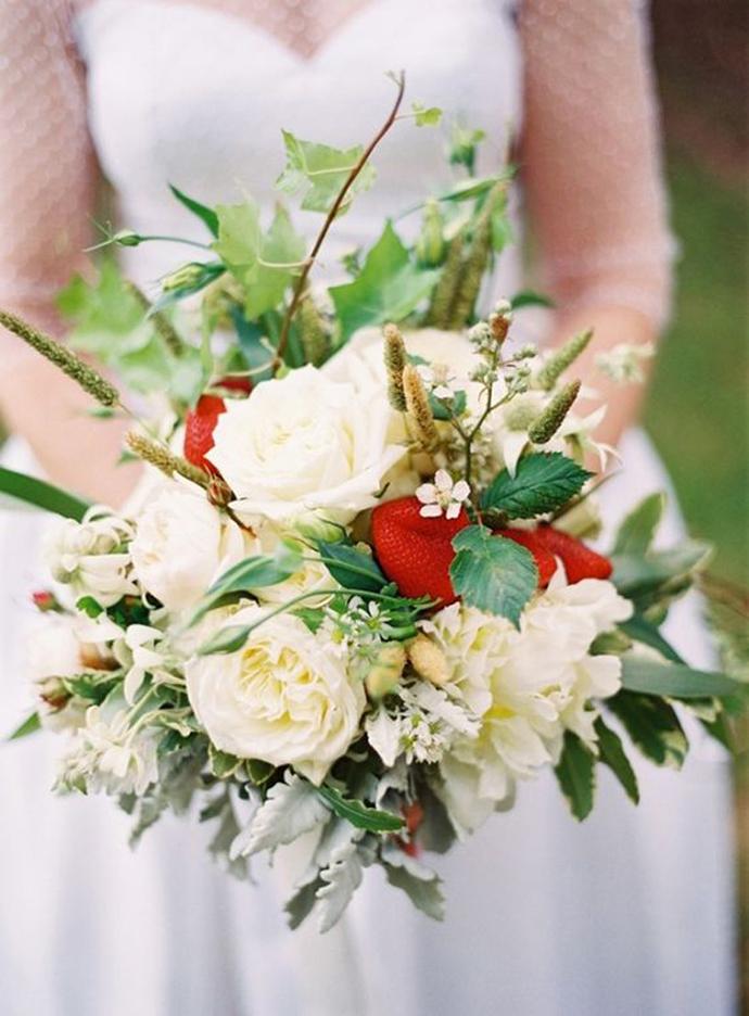 deco capsuni nunta in gradina (9)