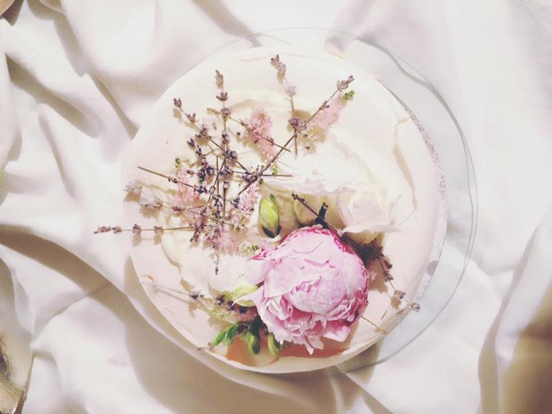 tort de bezea nunta in gradina (18)
