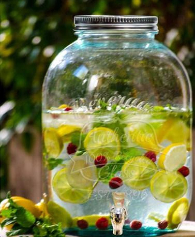 Recipient din sticla pentru limonada cu robinet