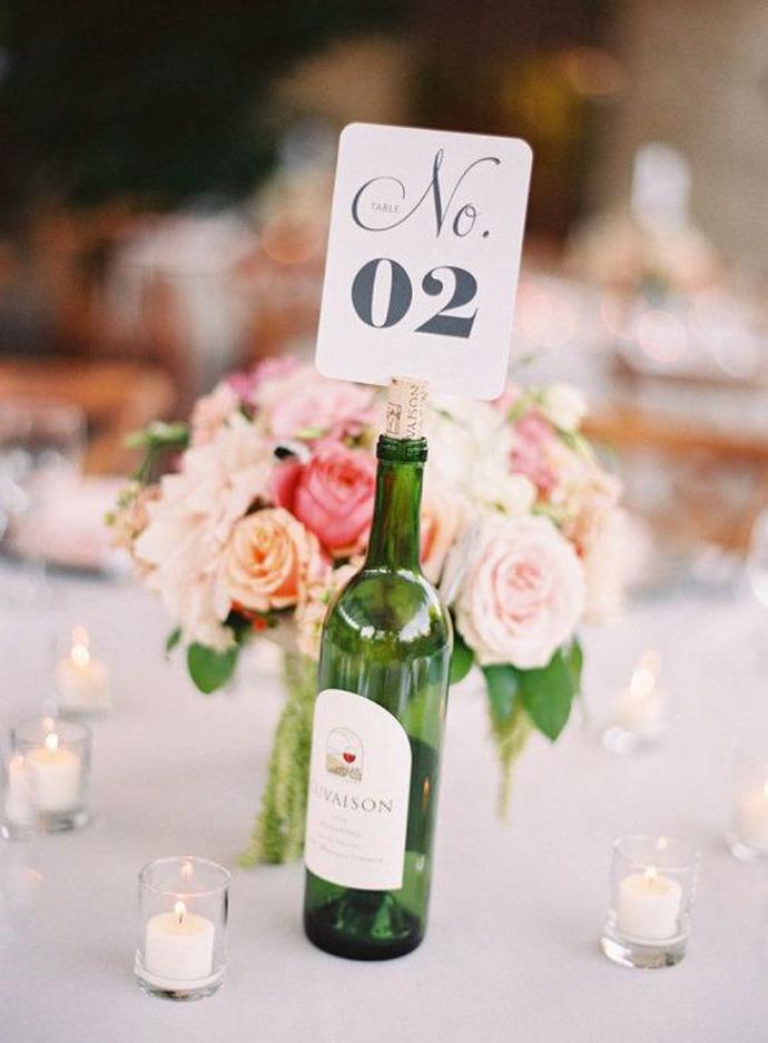 sticla vin numar de masa nunta in gradina (1)