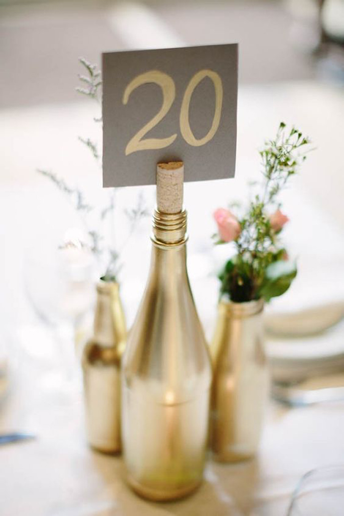 sticla vin numar de masa nunta in gradina (8)